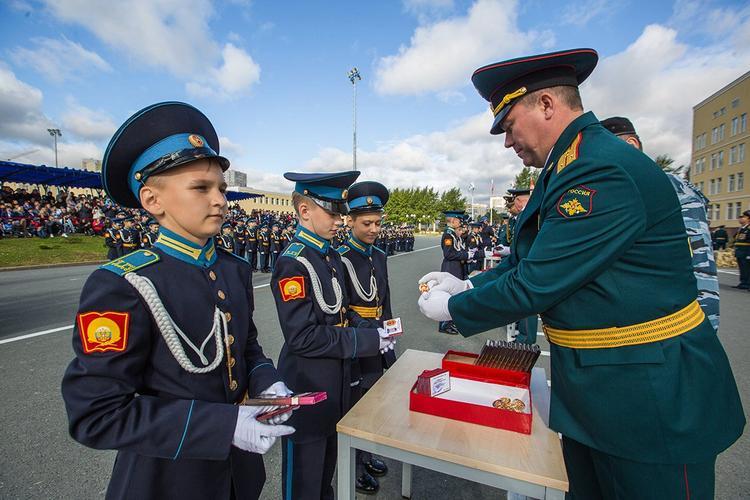Собянин принял участие в параде Кадетского движения на Поклонной горе