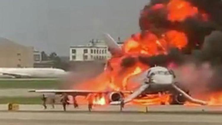 За 10 лет в России в авиакатастрофах погибло 326 человек, в США - в 5 раз меньше