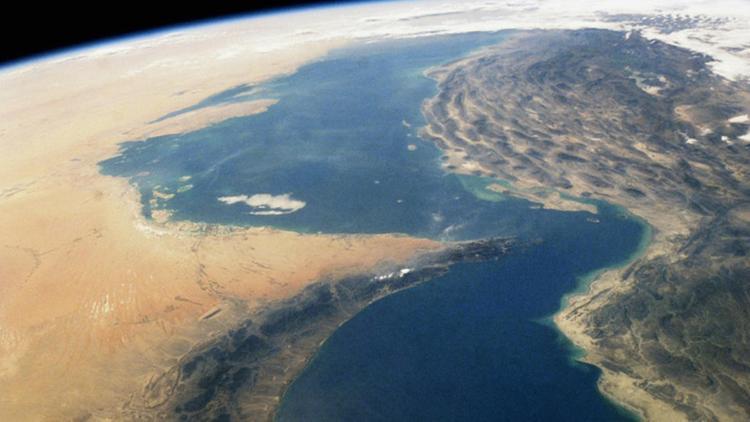 Иран заминирует Ормузский пролив, если мир перестанет покупать у него нефть