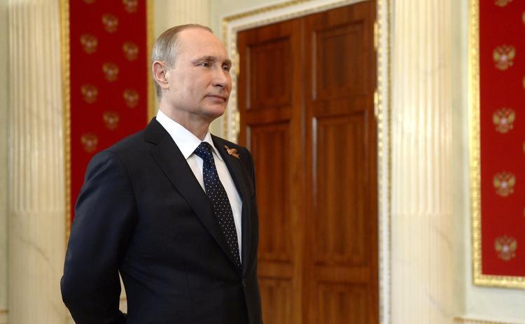 Путин поздравил ветеранов с 75-й годовщиной освобождения Крыма