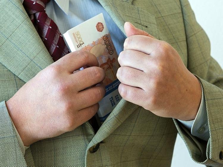 Губернатор Курганской области установил себе зарплату в 1 млн рублей?