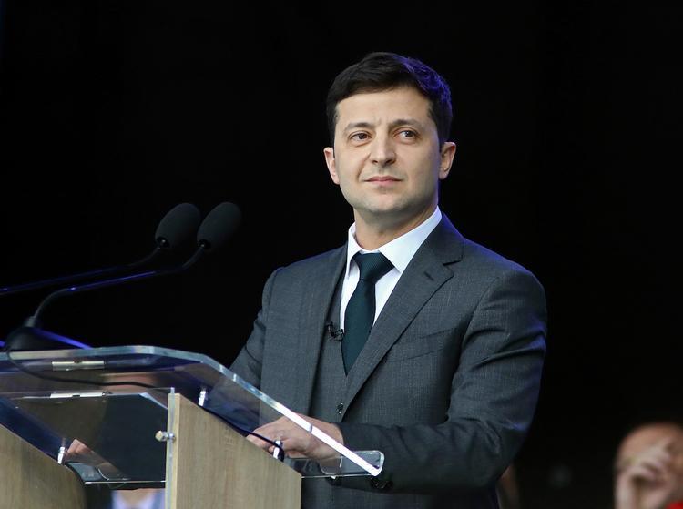 Владимир Зеленский планирует инициировать роспуск Bеpховной рады Украины