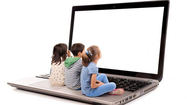 Маркетологи ловят детей на сладкое и вредное