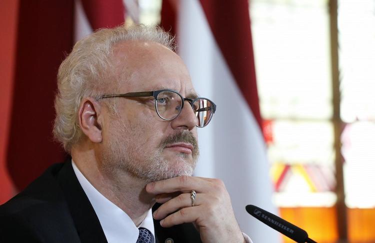 Депутат Европарламента  Андрей Мамыкин: новый президент Латвии считает себя спасителем нации