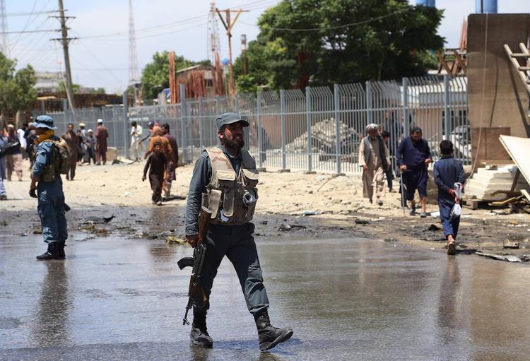 В Кабуле возле автобуса взорвалась бомба, погиб человек