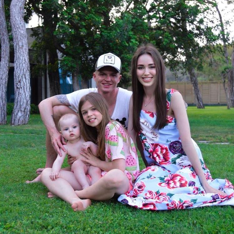 «Планируем второго ребенка, как только я восстановлюсь», заявила жена Дмитрия Тарасова