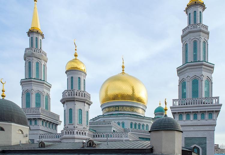 Мусульмане отмечают один из своих главных праздников Ураза-байрам