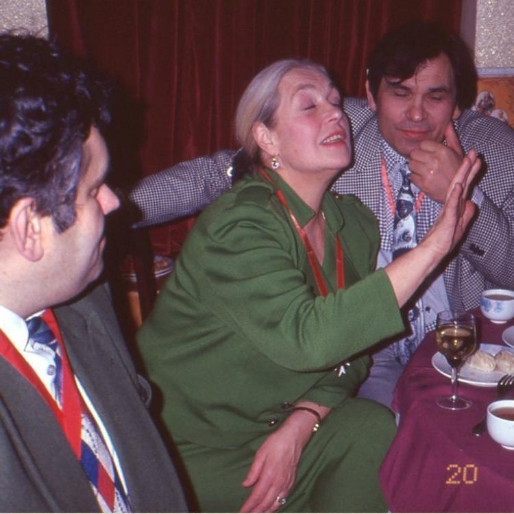 «Не удивлюсь, если стакан с отравой Алибасову преподнесла внучка Лиды», заявил Стас Садальский