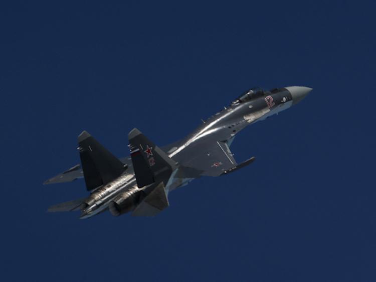 """США сообщили о """"небезопасном"""" перехвате своего самолета-разведчика российским Су-35"""