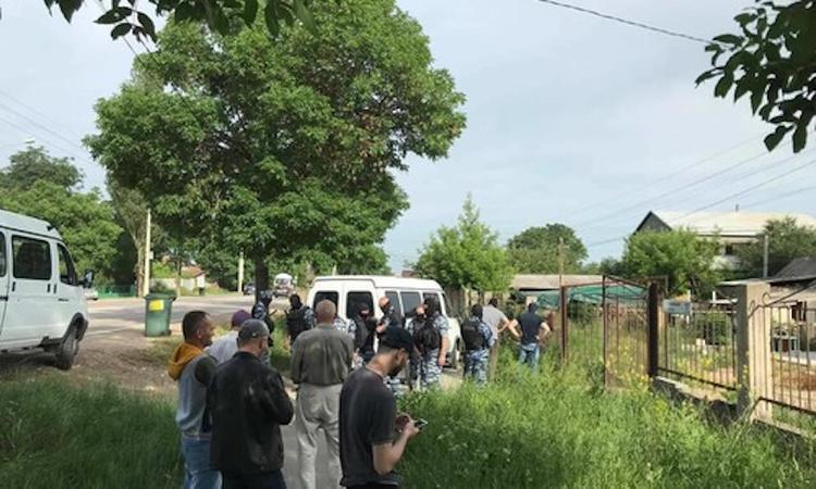 В Крыму проходят обыски в общественном объединении «Крымская солидарность» и в домах крымских татар
