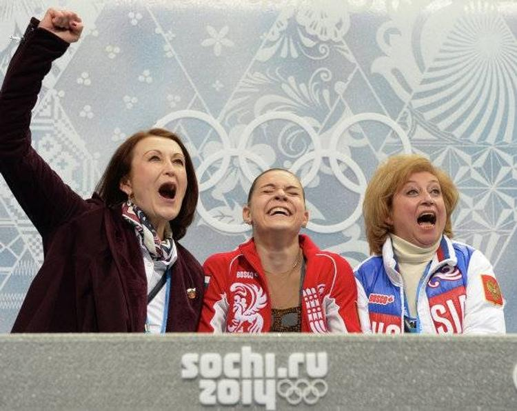 """Сотникова тоже оказалась поклонницей любимой певицы Медведевой и показала танец на льду под песню """"Bad Guy"""""""