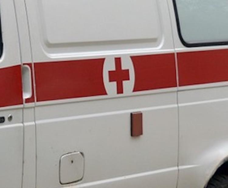 При ДТП на остановке в Сочи погибли два человека, один из них ребенок