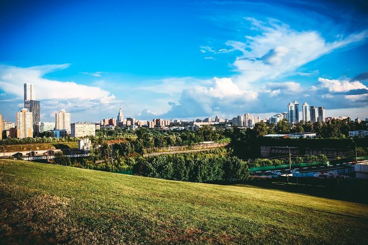 """В понедельник в Москву """"вернётся лето"""""""
