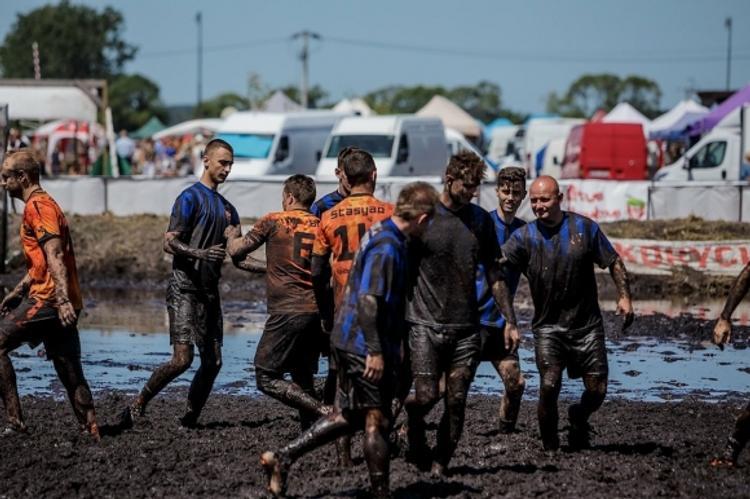 В грязный футбол играют люди с чистыми сердцами
