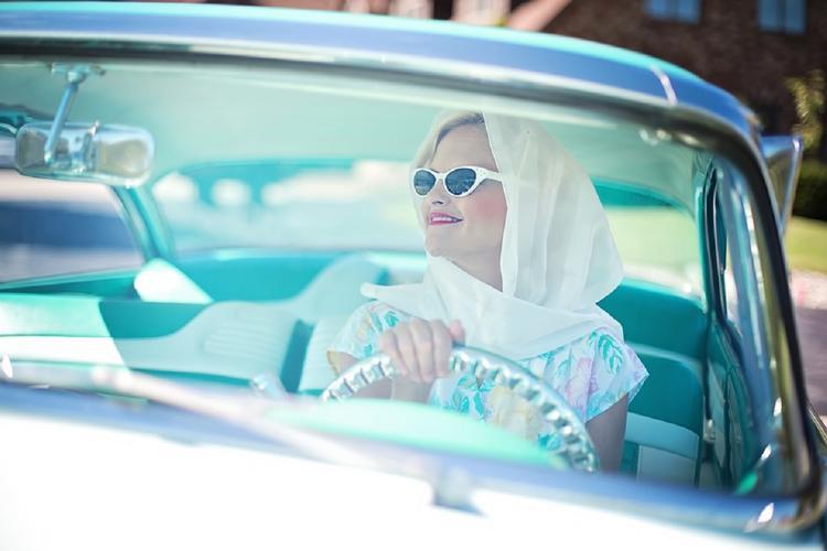 Милонов предложил ввести спецзнаки для беременных автоледи