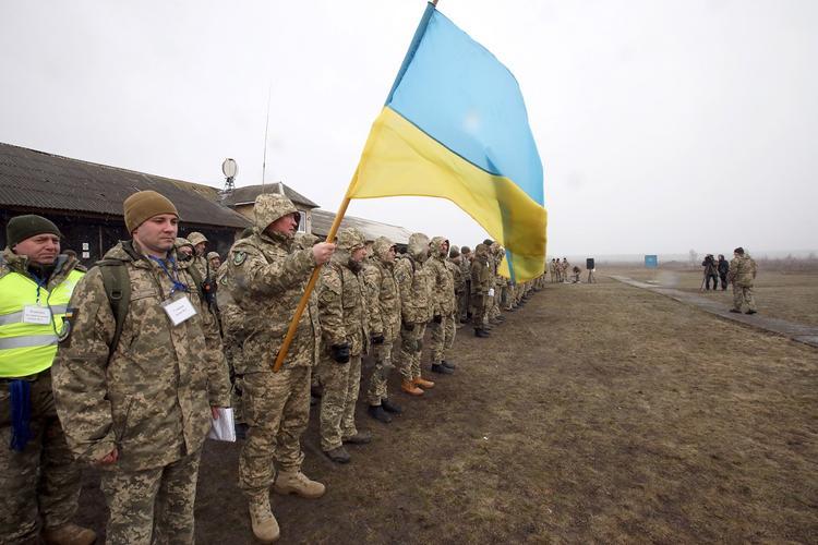 Киевский эксперт заявил о проигрыше и «управляемой капитуляции» Украины
