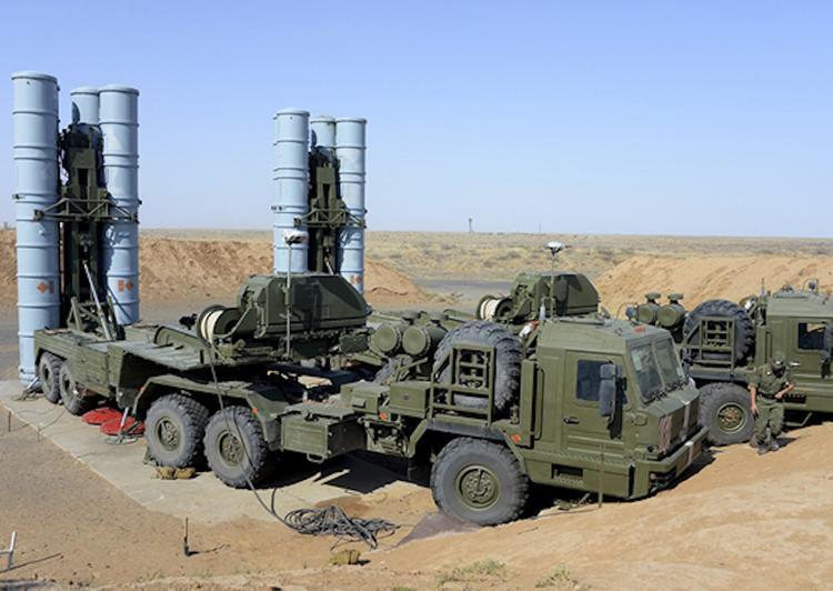 В ФСВТС подтвердили начало поставок ЗРС С-400 в Турцию