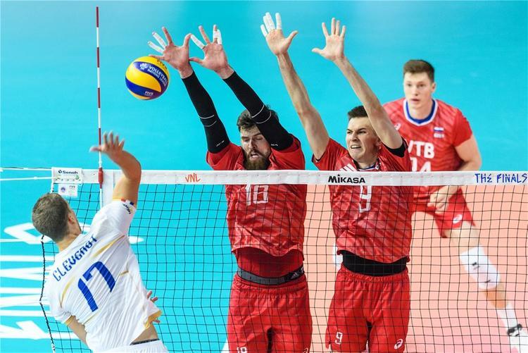 Российские волейболисты досрочно вышли в полуфинал Лиги наций
