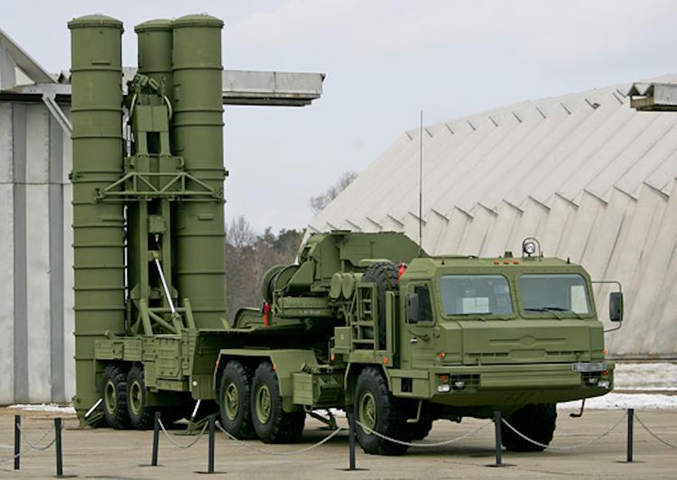 РФ завершила первый этап поставок ЗРС С-400 в Турцию