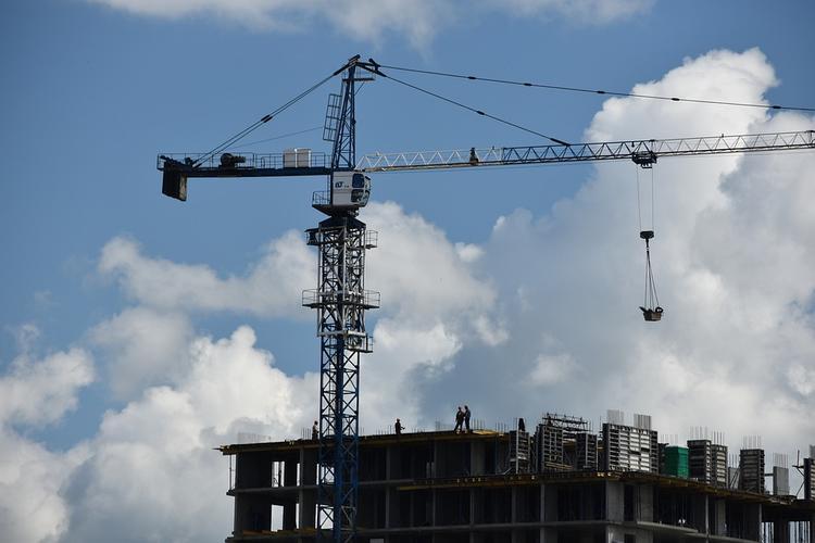В России в 2 раза увеличилось число проблемных объектов долевого строительства - сообщил генпрокурор Чайка