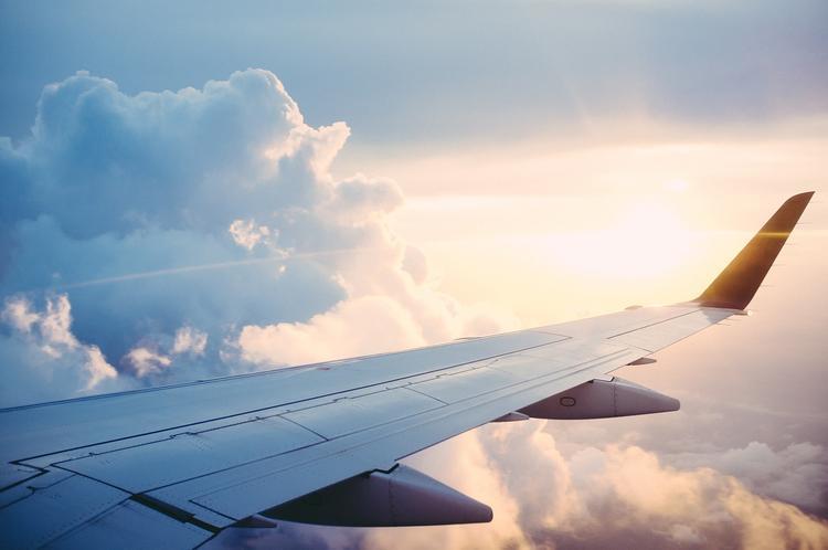 19-летняя студентка выпала из взлетевшего самолёта