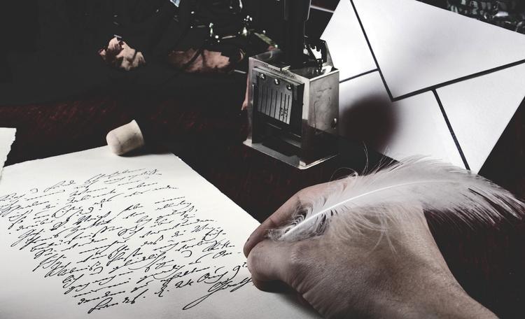 Суд постановил - извиниться! В Краснодаре местный поэт подал иск к прокуратуре и потребовал извинений