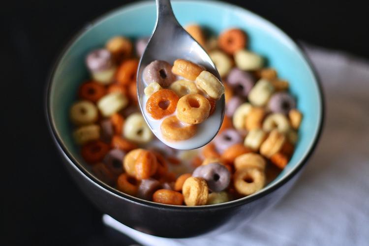 В Роскачестве рассказали, что сухие завтраки могут вызывать ожирение