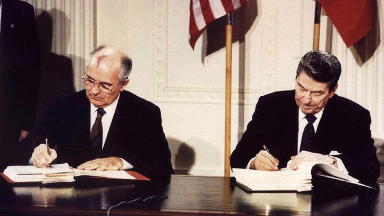 Почему всё-таки США и Россия отменили ядерный договор?
