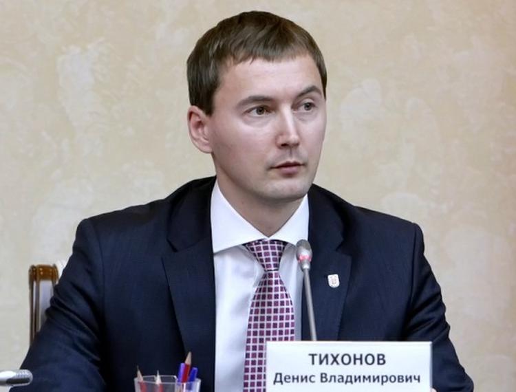 Министр Правительства Москвы Денис Тихонов рассказал о работе системы выдачи патентов работающим мигрантам