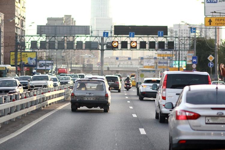 В Госдуме объяснили инициативу о запрете на старые автомобили
