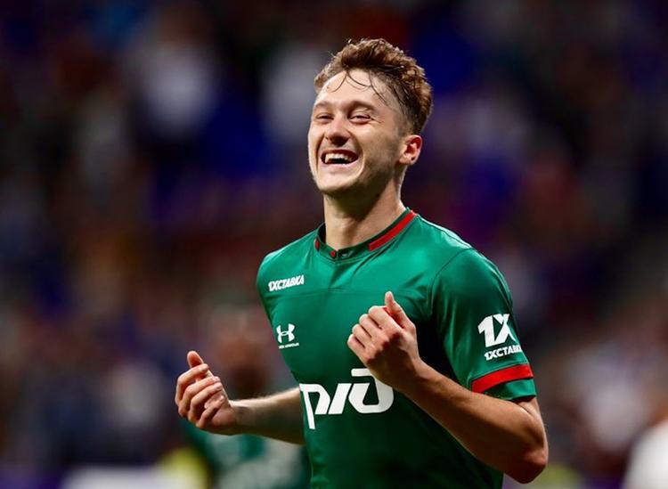 «Динамо» не смог удержать счет и проиграл «Локомотиву» 1:2