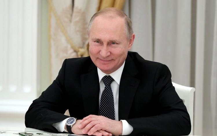 """Путин оценил стыковку с МКС и выразил надежду на помощь робота """"Федора"""" космонавтам"""