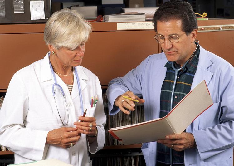 Десять ранних симптомов старческого слабоумия перечислили врачи