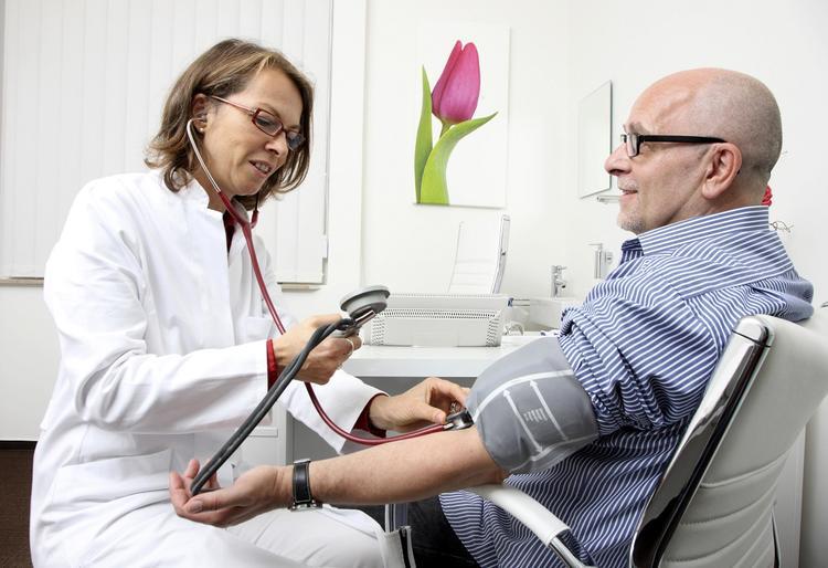 Два самых эффективных напитка для снижения артериального давления назвали медики