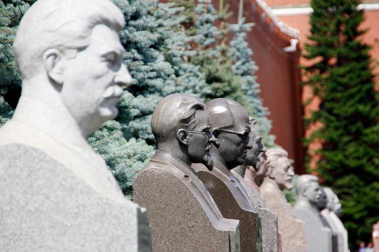 Хованский: «Сталин — самый тупой и бездарный полководец в истории России»