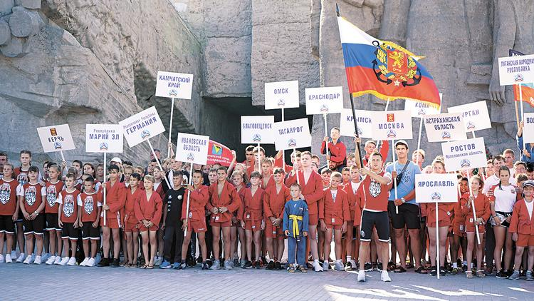 «Кубок двух морей»: о спорте, связипоколений и любви к Родине
