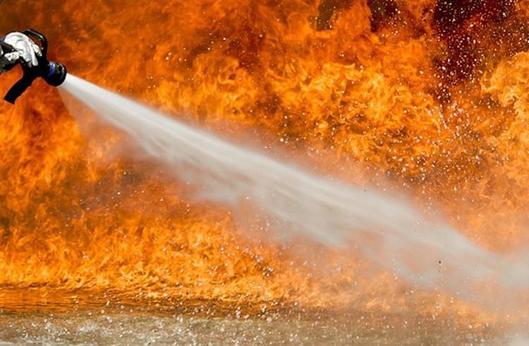При пожаре в жилом доме в Сочи погиб мужчина