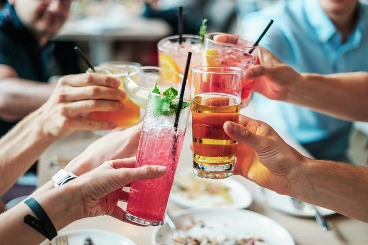 Вкусно и опасно: учёные назвали напиток, который приводит к раку