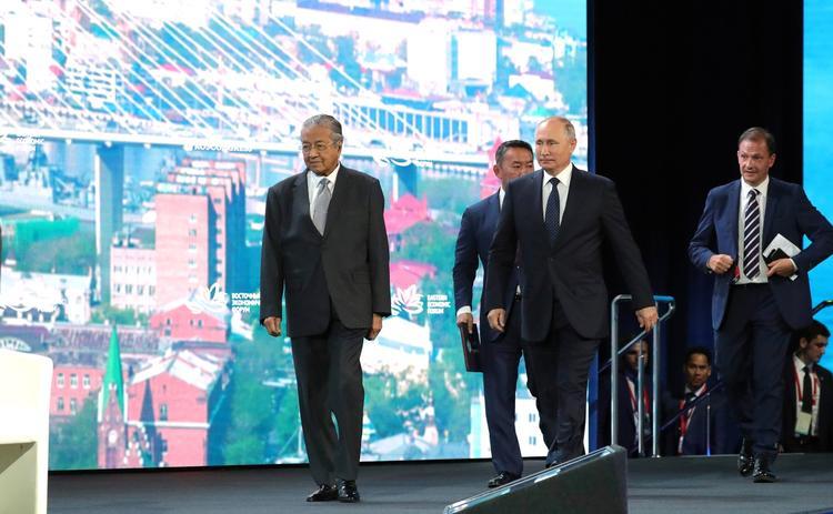 Путин рассказал, что протестные  акции молодежи иногда  приводят к позитивному результату