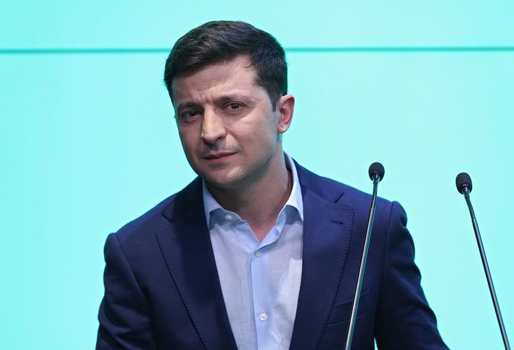 Политолог объяснил, почему Владимир Зеленский боится остановить войну в Донбассе