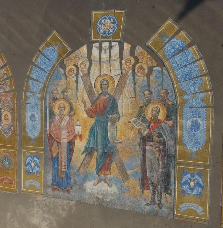 Художники показали мозаичные тимпаны для Главного храма ВС РФ