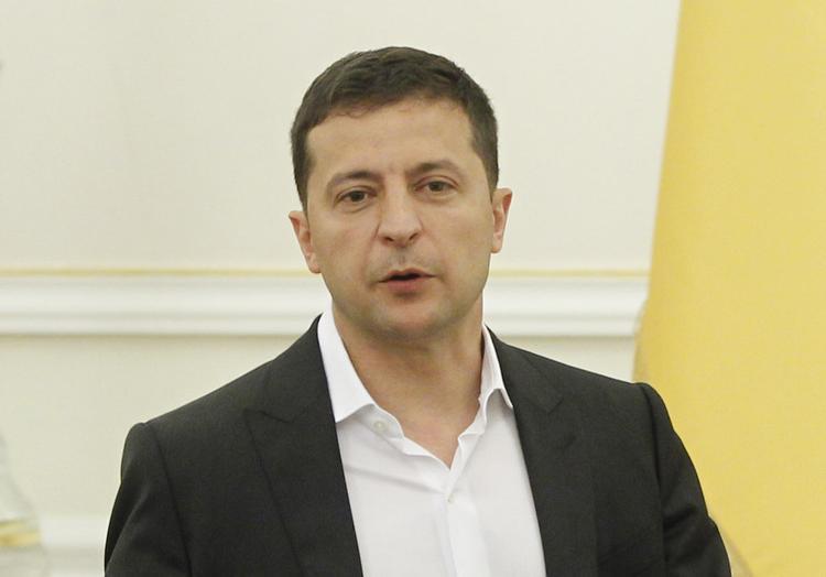 Зеленский отклонил петицию о легализации оружия на Украине