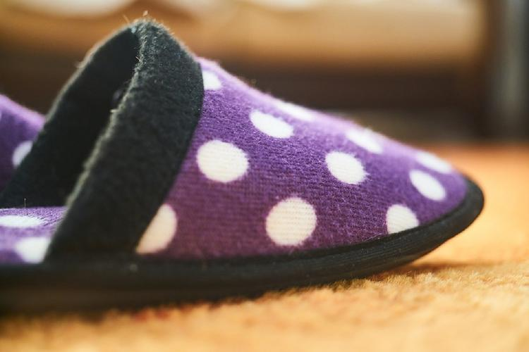 Горячий ТОП региональных новостей: Мужчина заказал брендовые кроссовки, а получил домашние тапочки в Кирове