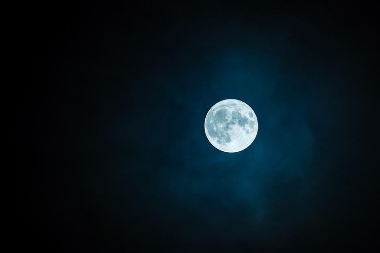Индия может через 10 лет создать на Луне станцию