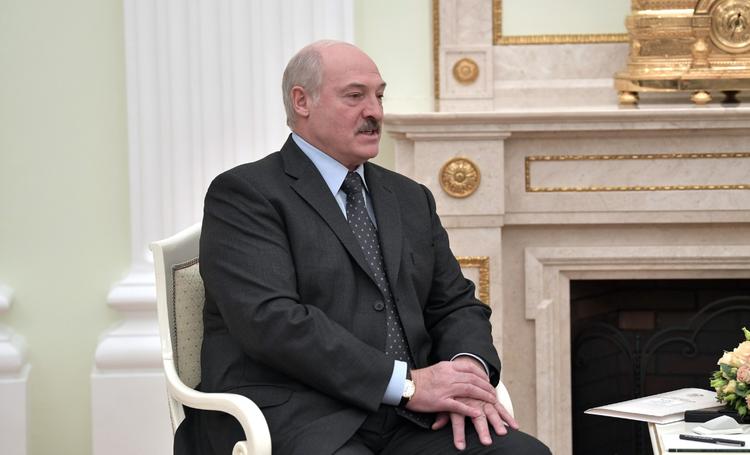 Лукашенко заявил, что США должны помочь Украине разрешить конфликт в Донбассе