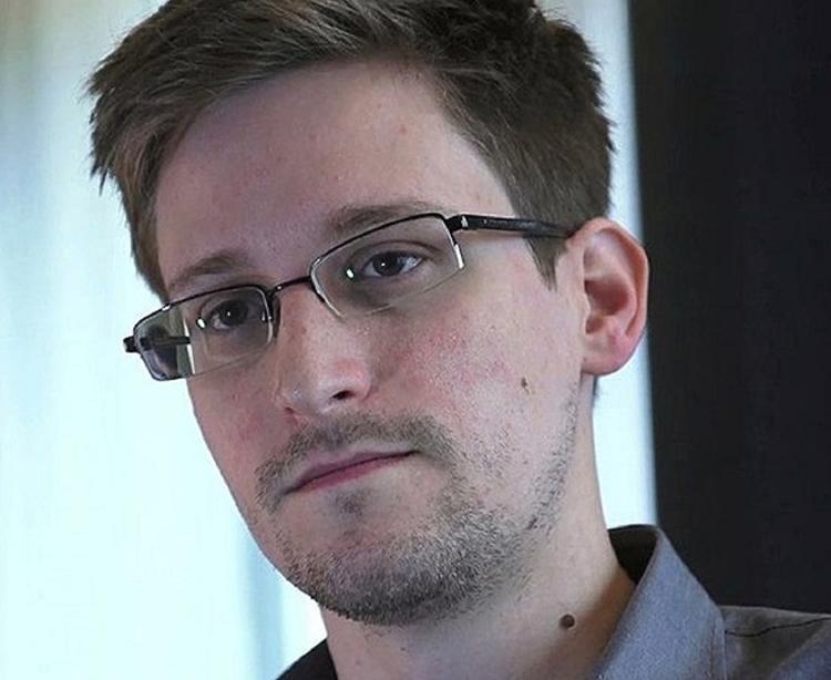 Минюст США подал иск против Эдварда Сноудена