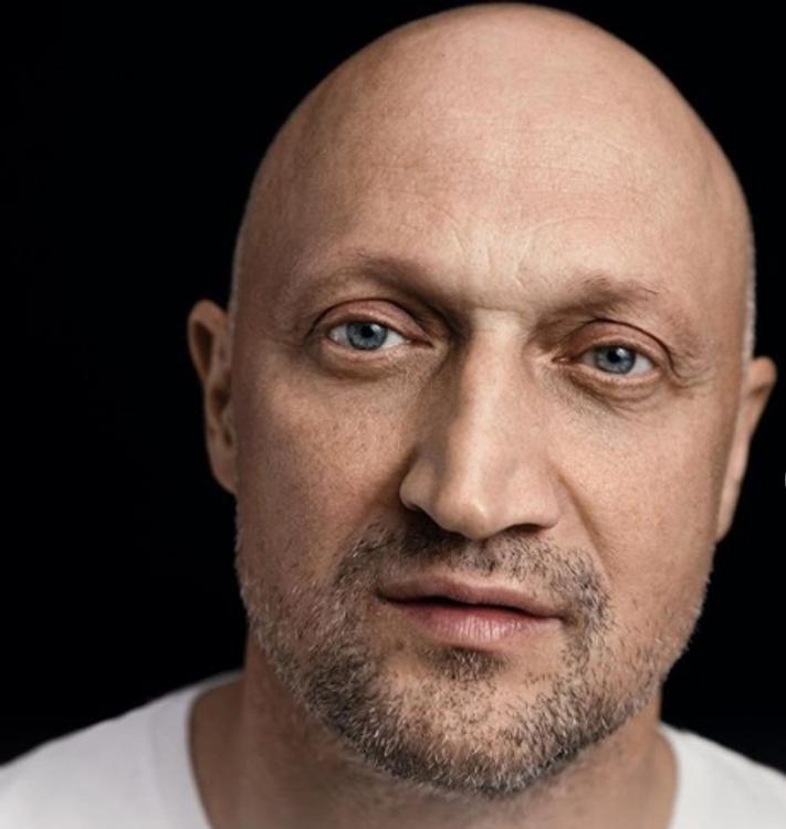 Гоша Куценко пожаловался на дорогую парковку в Москве