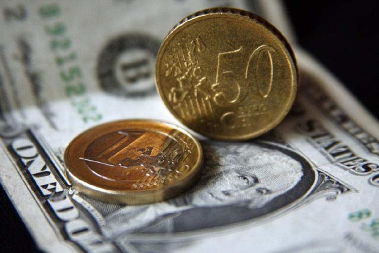 Курс евро начал резкое снижение