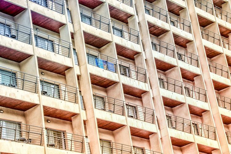 В России вступили в силу новые правила курения на балконах и лоджиях