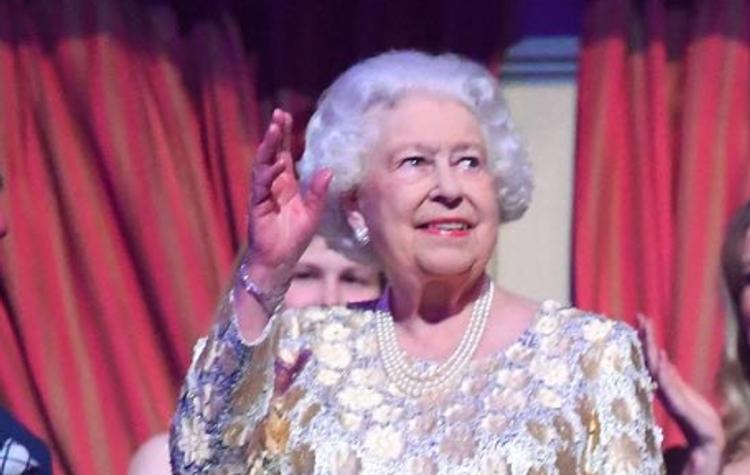Королева Великобритании может оказаться в инвалидном кресле